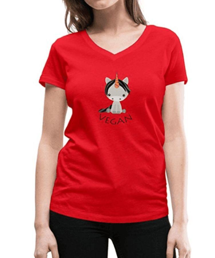 0e2b8962e34c Licorne Végan – Licorne Assise de Face – Corne avec Carotte – T-Shirt Femme  – Rouge